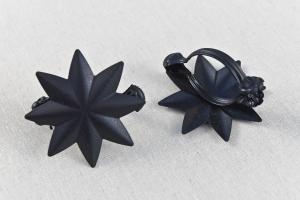 Fekete dekor csipesz