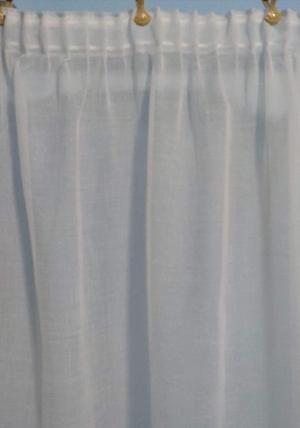 Hotová krémová záclona prírodného vzhľadu rozmerov: výška 120cm × 420cm 2ks