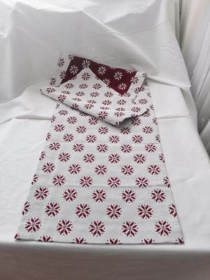 Vianočný obrus rozmerov: 35 x 130 cm, material: bavlna
