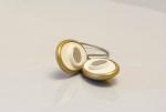 Magnetka oceľová na záves alebo záclonu farby: staré zlato, tvaru: ovál, rozmeru: 35cm