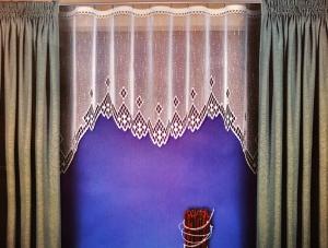 """Hotová záclona Žakár """"Azor"""" rozmerov: výšky 140cm × šírky 260cm bez riasenky"""