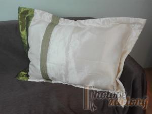 Dekoratívny návlek zelený pás rozmerov: 50cm × 70cm