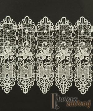 Záclona vyšívaná krémová metrážová vitrážka